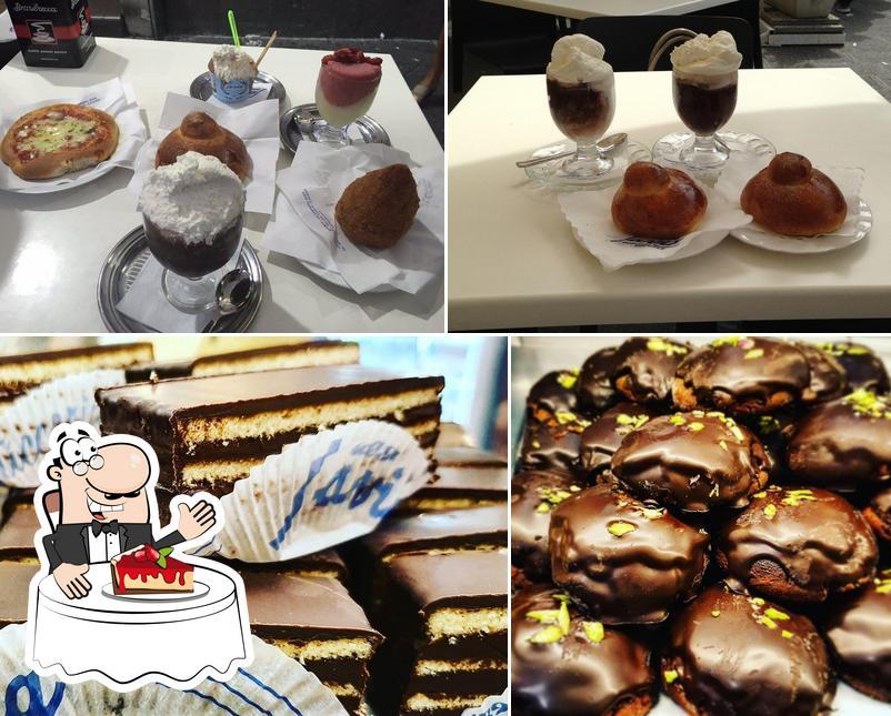 Pasticceria Savia propone un'ampia varietà di dessert