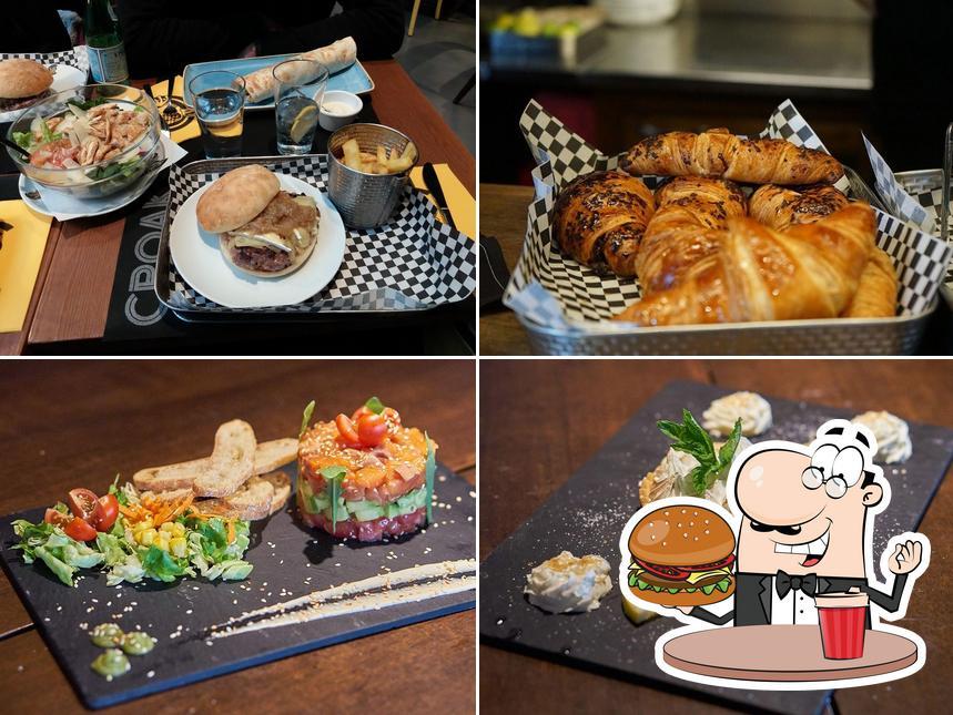 Попробуйте гамбургеры в Croak's Girona