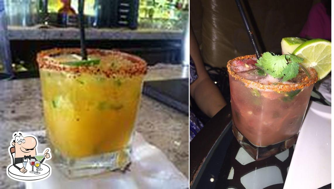 Palmilla Cocina y Tequila serves alcohol