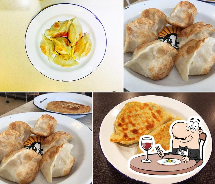 Comida en Peoples Inn Dumpling House