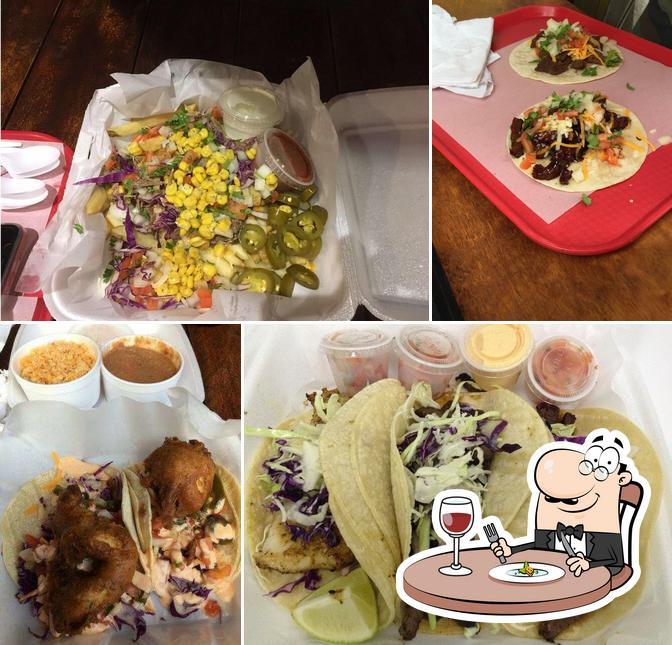 Еда в Surf N Turf Tacos