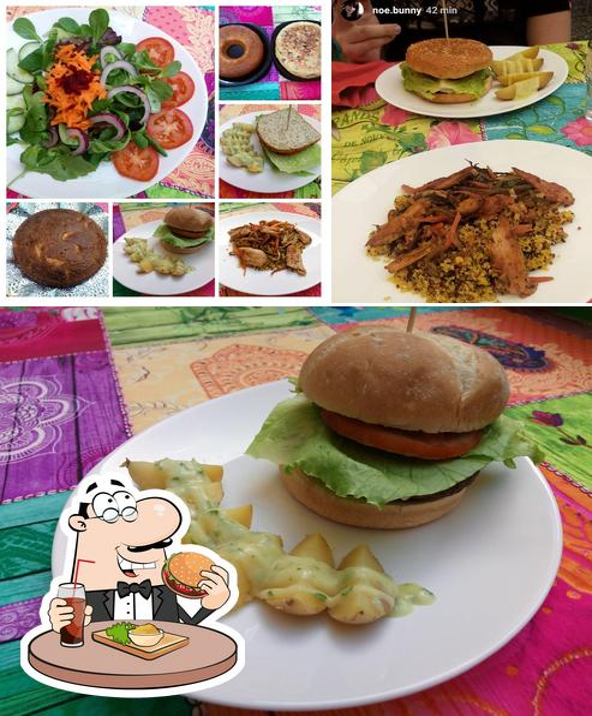 Prueba una hamburguesa en Telos. Comida Casera Natural - Vegetariana, vegana y sin gluten. Platos con Heura
