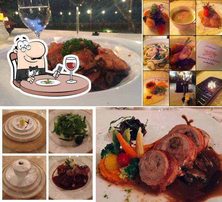Food at Le Crystal Restaurant