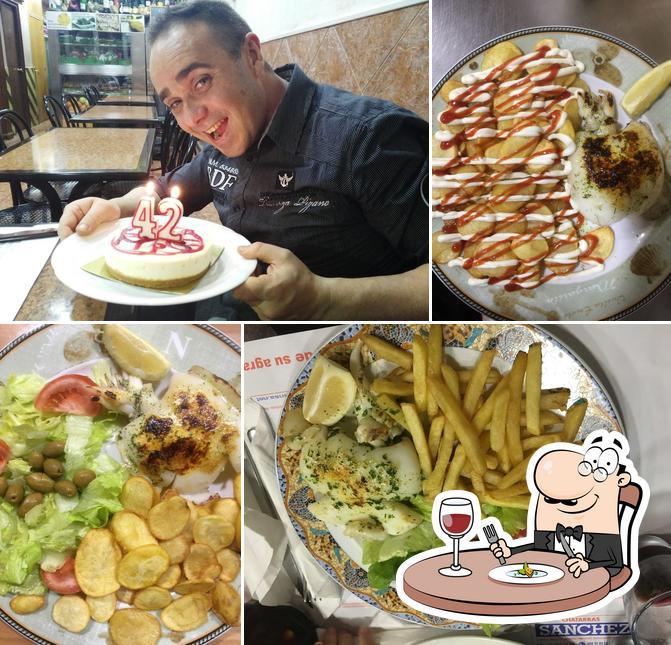 Еда в Bar los Prados 2