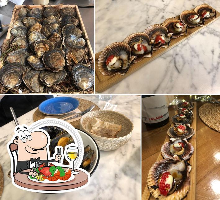Get seafood at Bicos