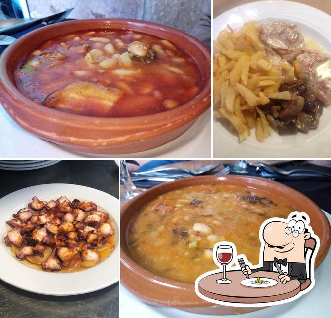 Comida en Terraza-Restaurante Casa Miguel