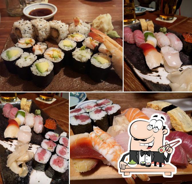Sushi-Rollen werden von Hyuga serviert