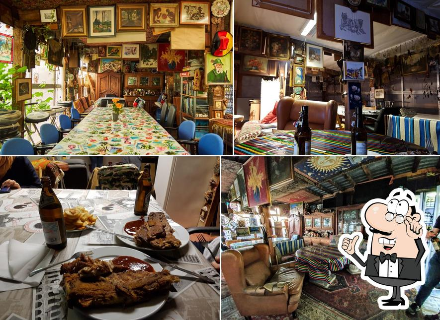 El interior de Hakim's Steakhouse