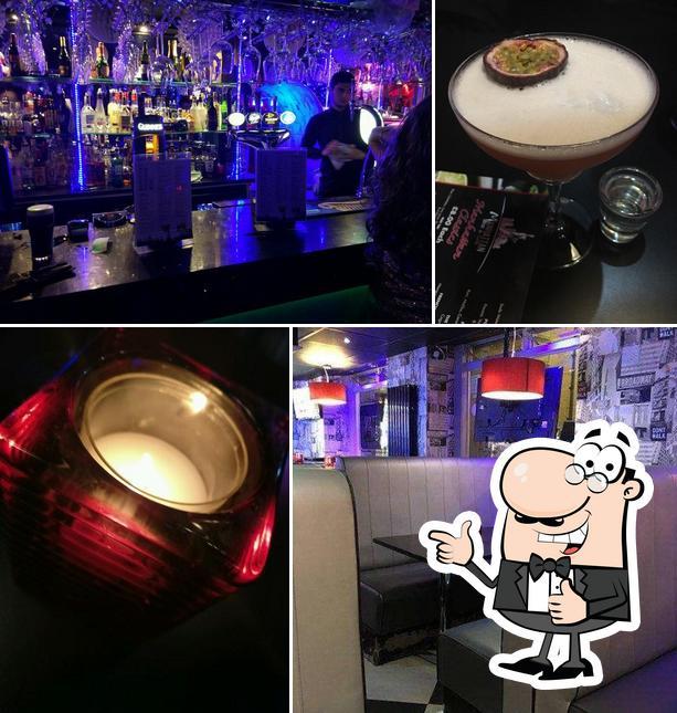 Photo of Manhattan Bar & Grill