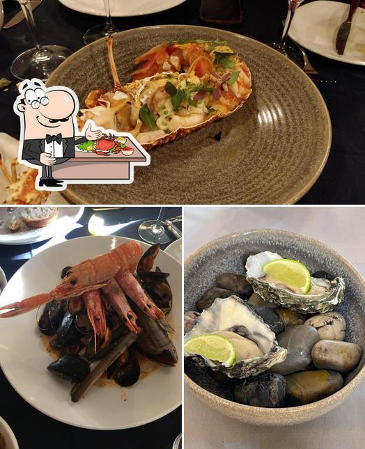 Get seafood at Tartarun