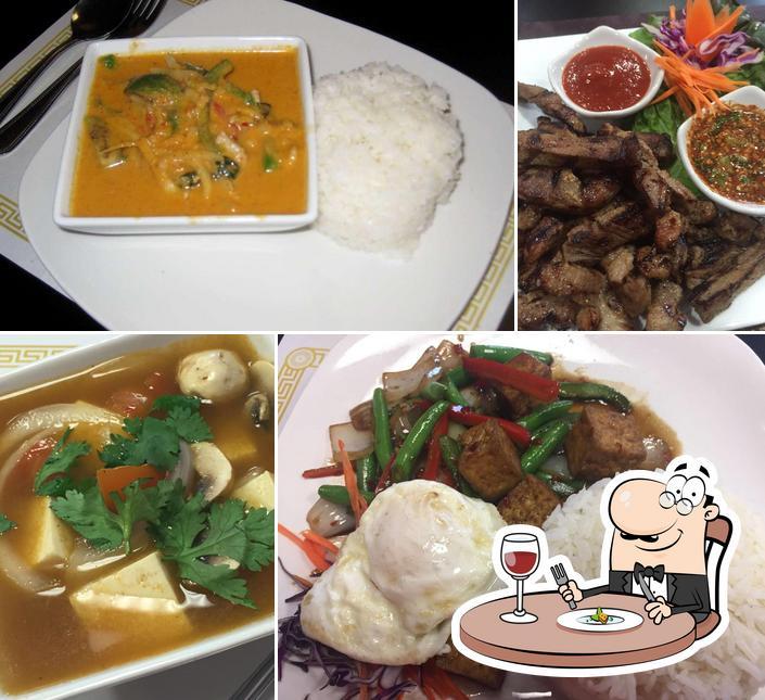 Food at Thai Recipes Rest
