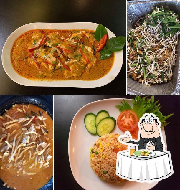 Meals at Yod Siam Thai Cuisine