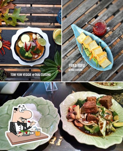 Meals at At Thai