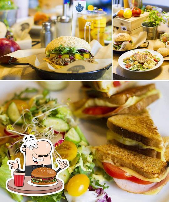 Order a burger at Bułka