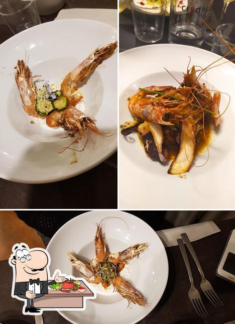 Order seafood at Ciborgo