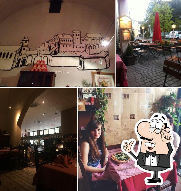 The interior of Taverna Italiana