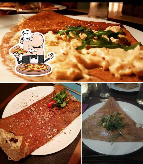 Elige una pizza en Crepería bretona Le p'ty mon