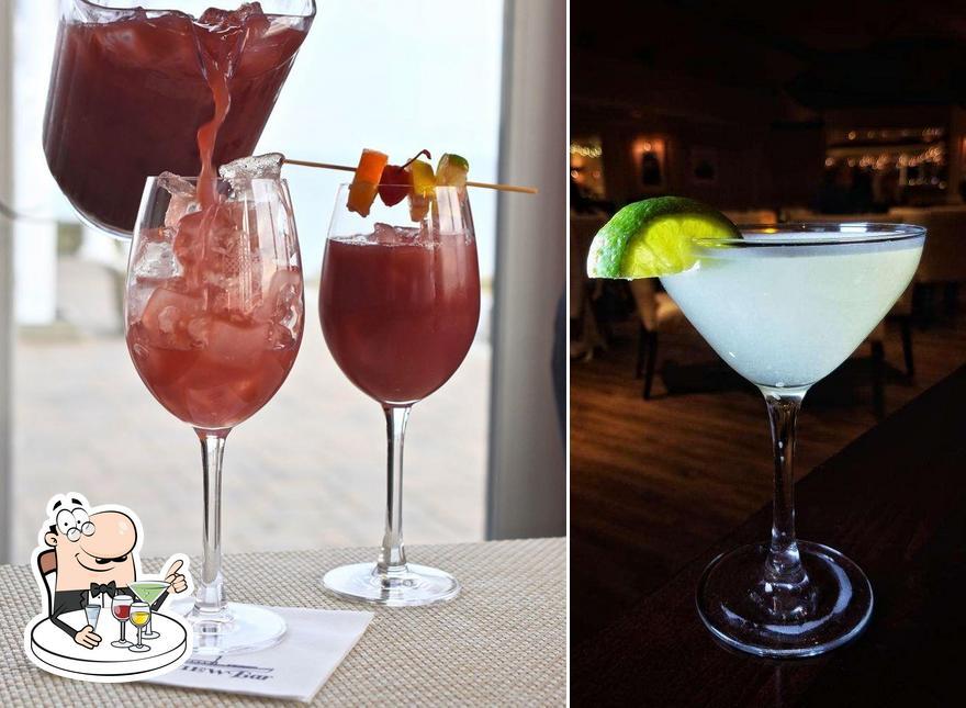 View Restaurant serves alcohol