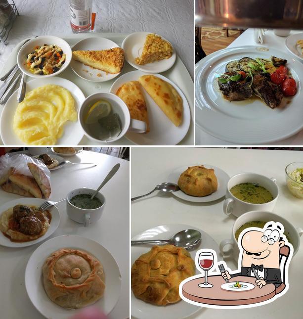 Meals at Dom Chaya