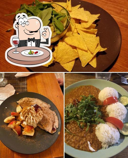 Meals at Laibon