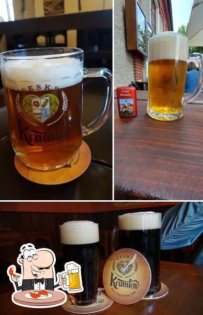 Order a pint of light or dark beer