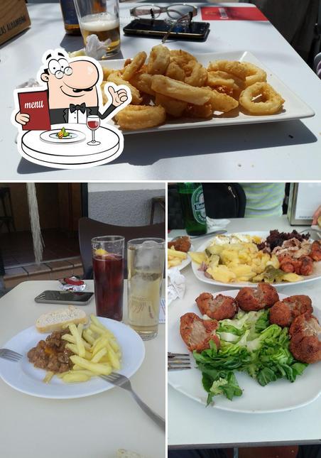 Comida en Tito y Sobrina