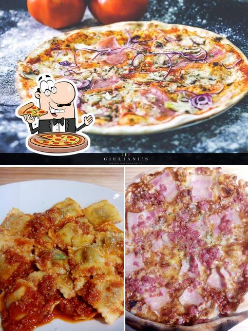 Elige una pizza en Giuliani's