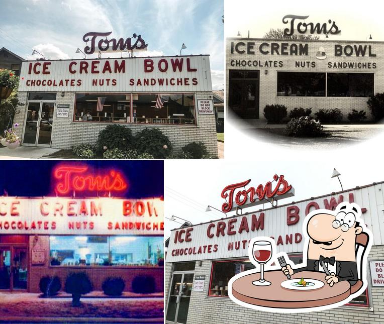 Food at Tom's Ice Cream Bowl
