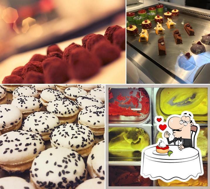 émoi Patisserie und Café bietet eine Vielfalt von Desserts