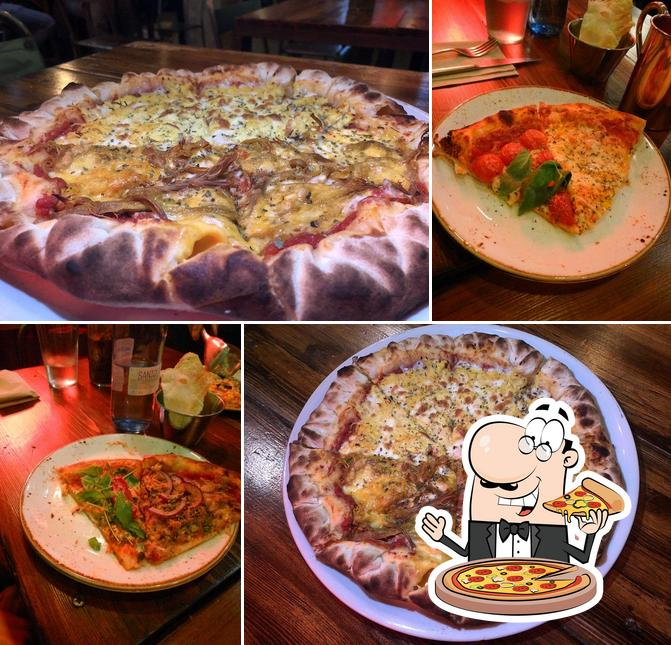 Pick pizza at Bizzo