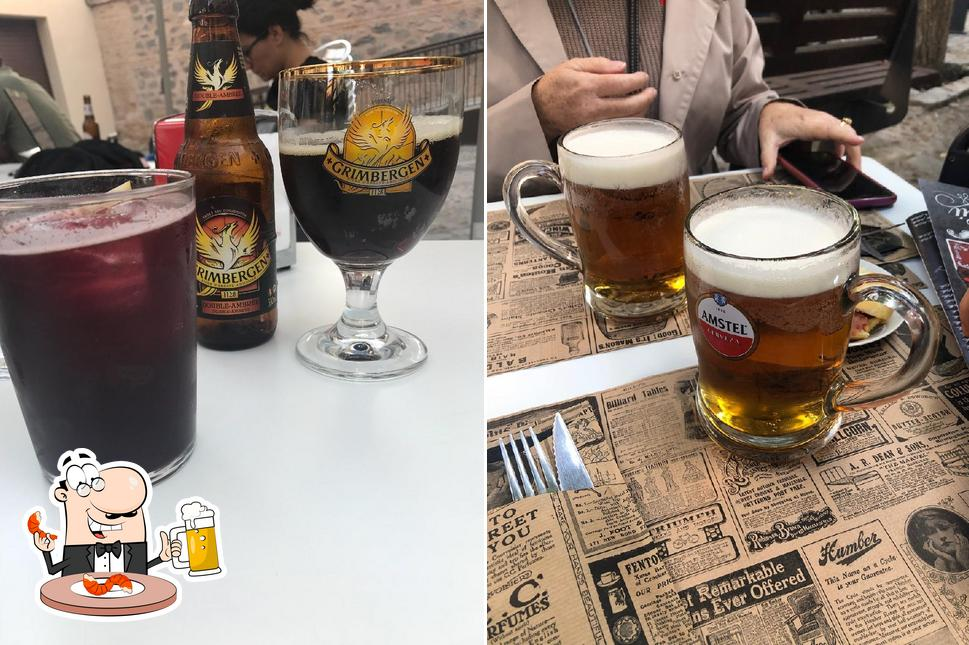 Disfruta de una copa de cerveza rubia o tostada