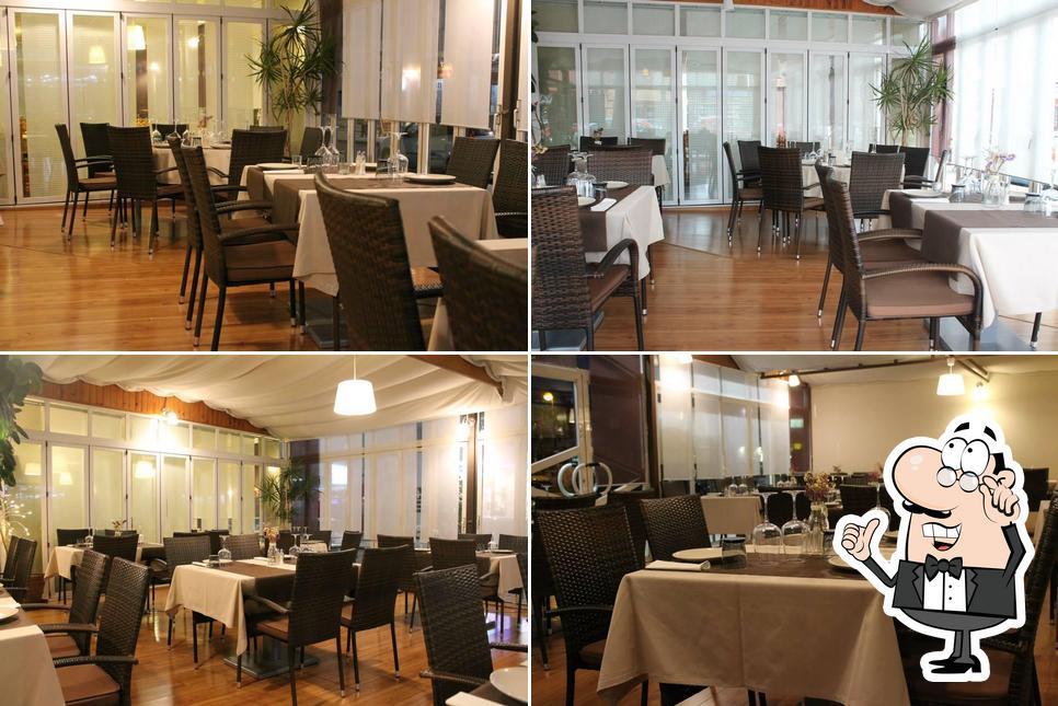 Посмотрите на внутренний интерьер Restaurante Paulino