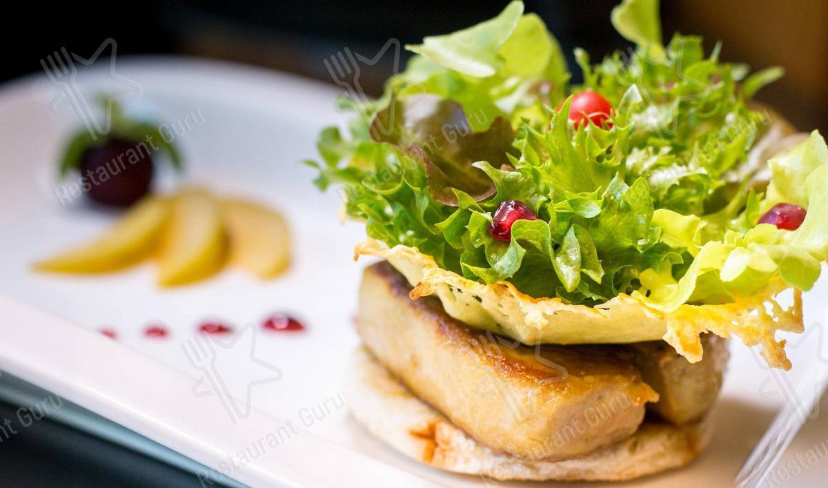 Le Crystal Restaurant menu - dishes and beverages