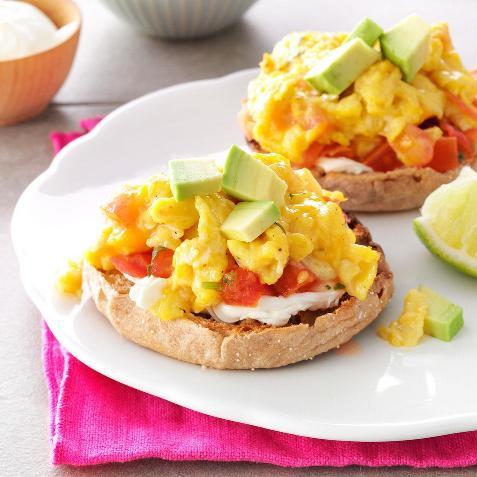 Sándwiches de huevos revueltos