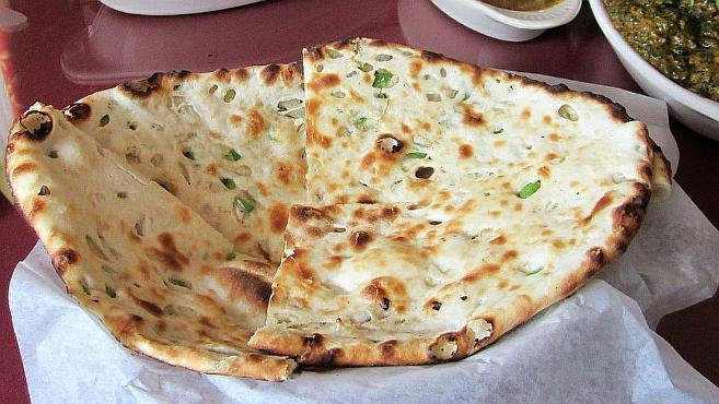 Best onion naan in Chicago restaurants