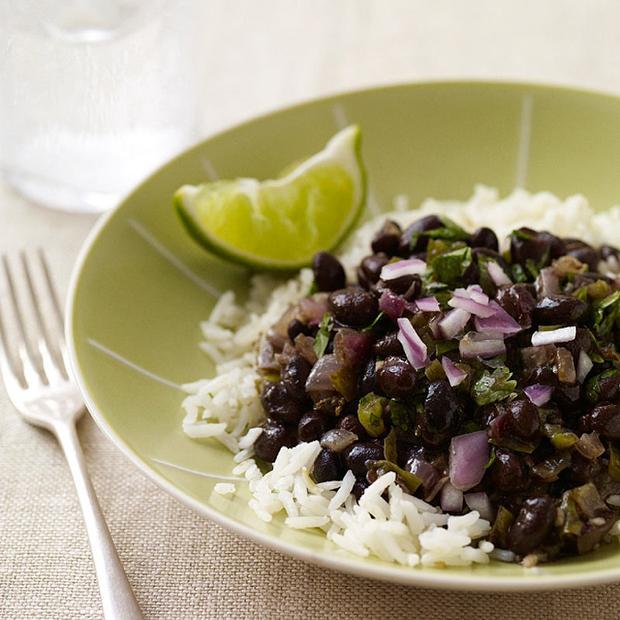Черные бобы и рис