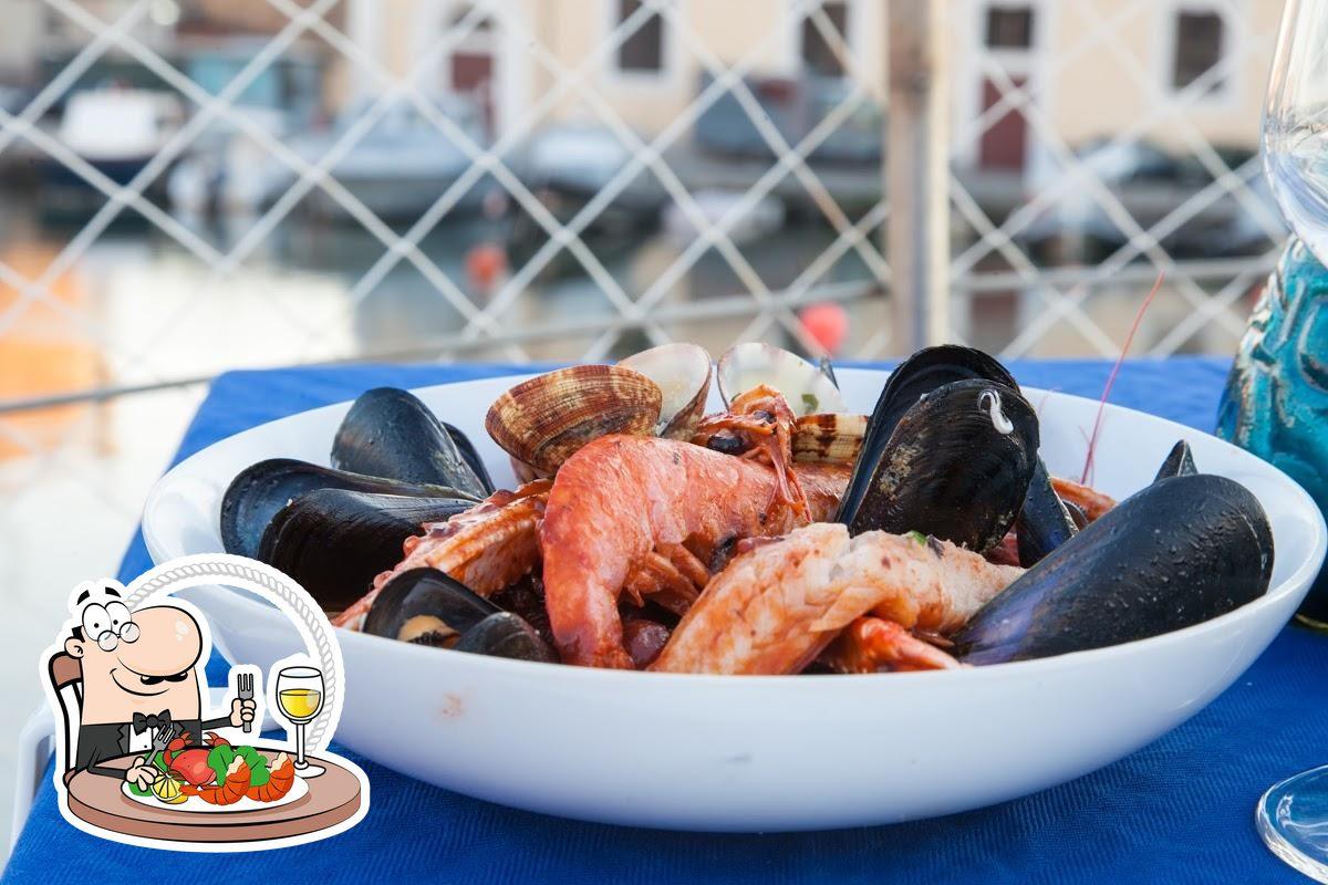 Ordina la cucina di mare al ristorante Ristorante Ca' Moro - Social Bateau