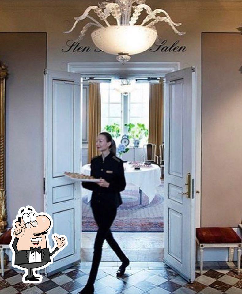 Siéntate a una de las mesas de Grand Hotel Lund