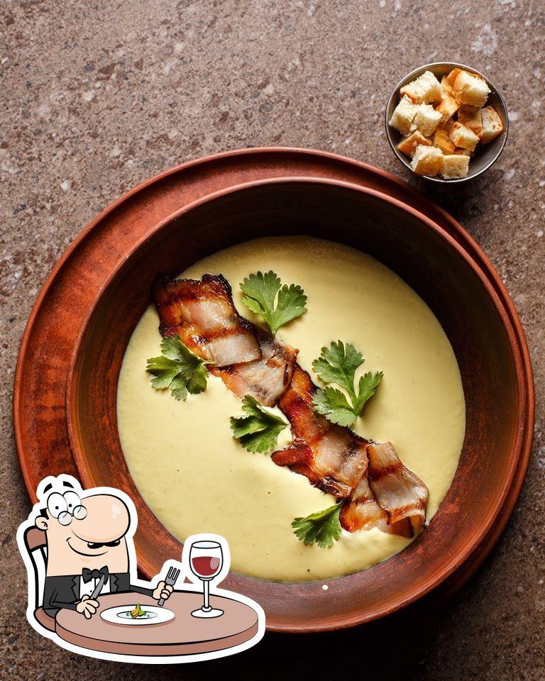 Еда в Brisket Eat&Fun