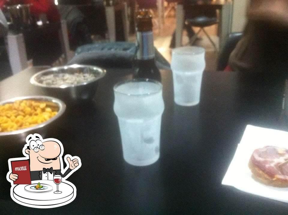 Platos en Café Bar Carlos