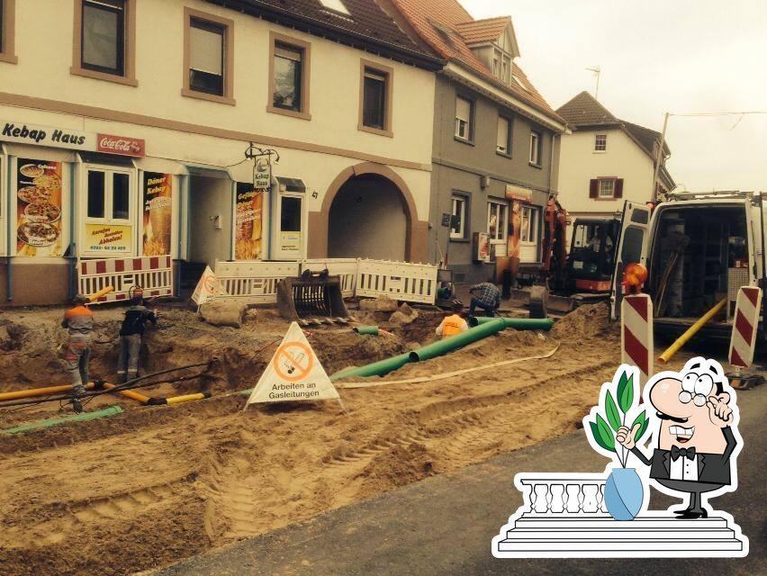 The exterior of Eggensteiner Döner-Pizzahaus