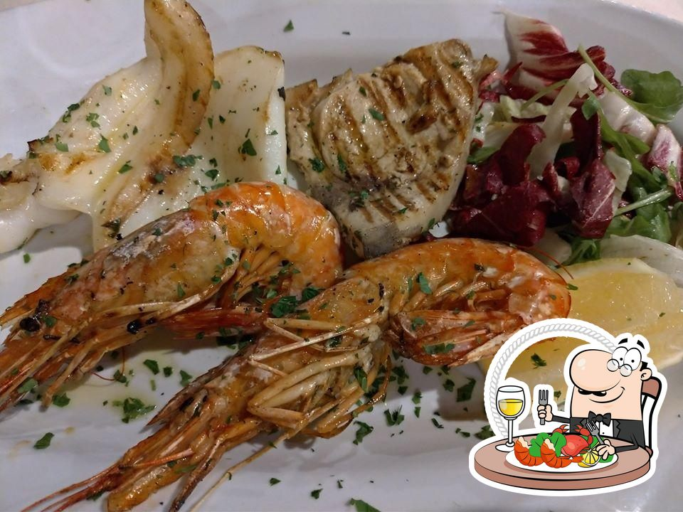Pick different seafood items offered by Paradiso