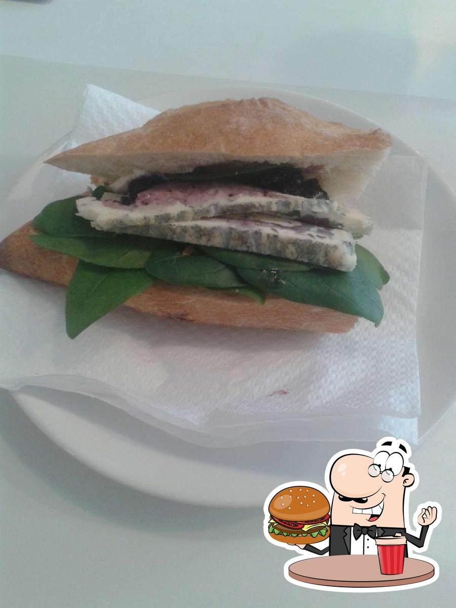 Order a burger at Pies Pianista
