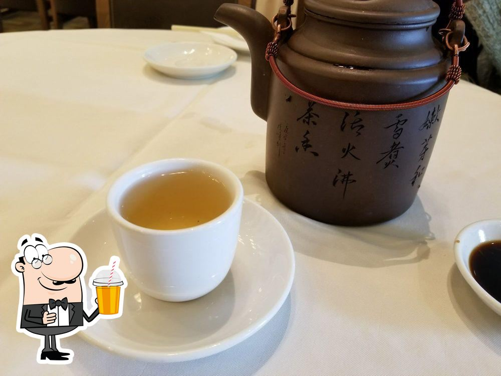 Come and try various drinks provided by Shanghai River Restaurant