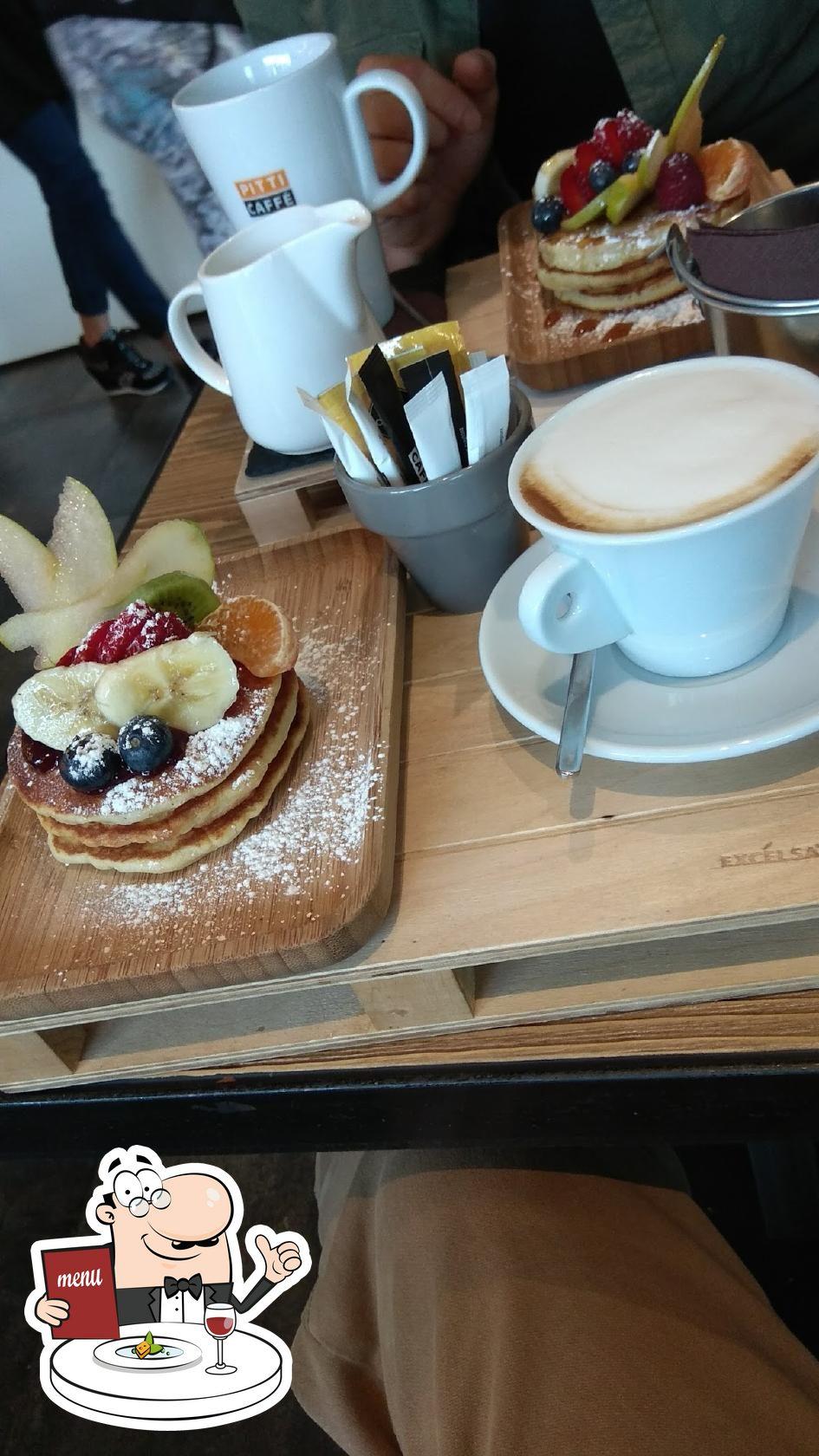 Platti al P13 Lounge Cafè
