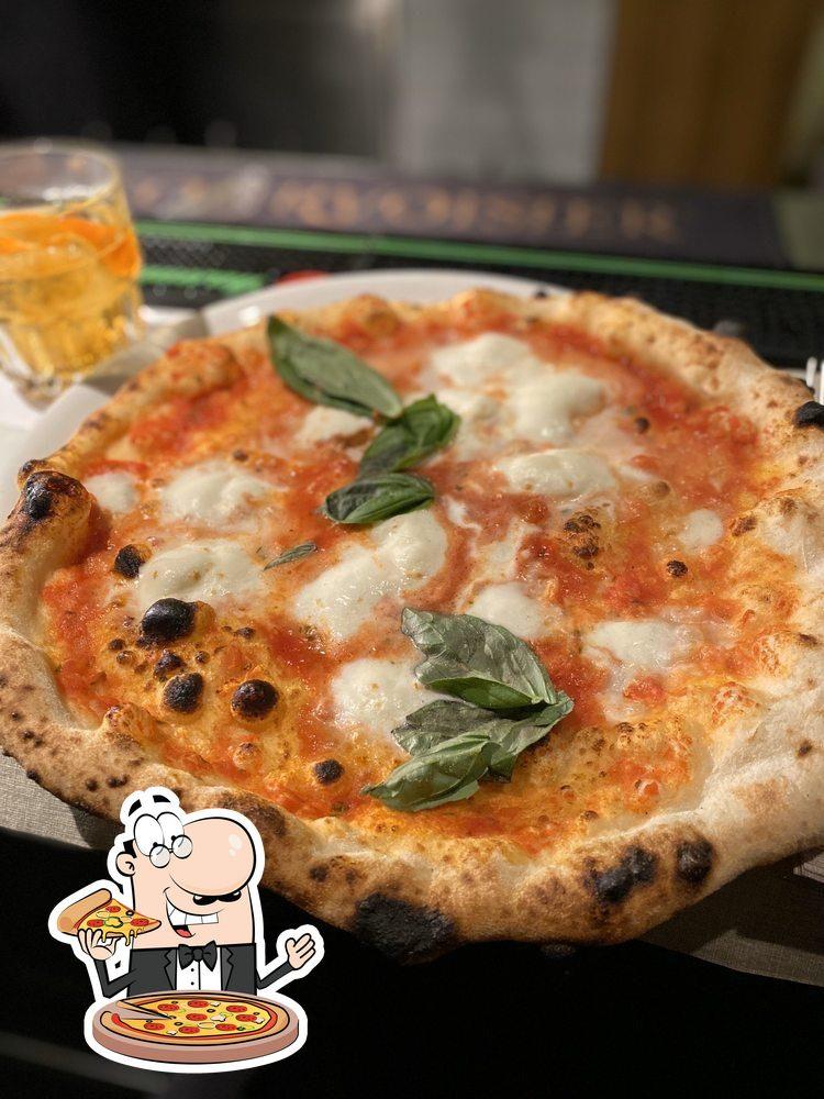 Get pizza at Die Pizzerei