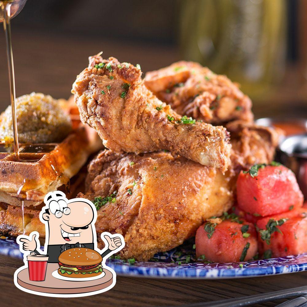Las hamburguesas de Yardbird las disfrutan una gran variedad de paladares