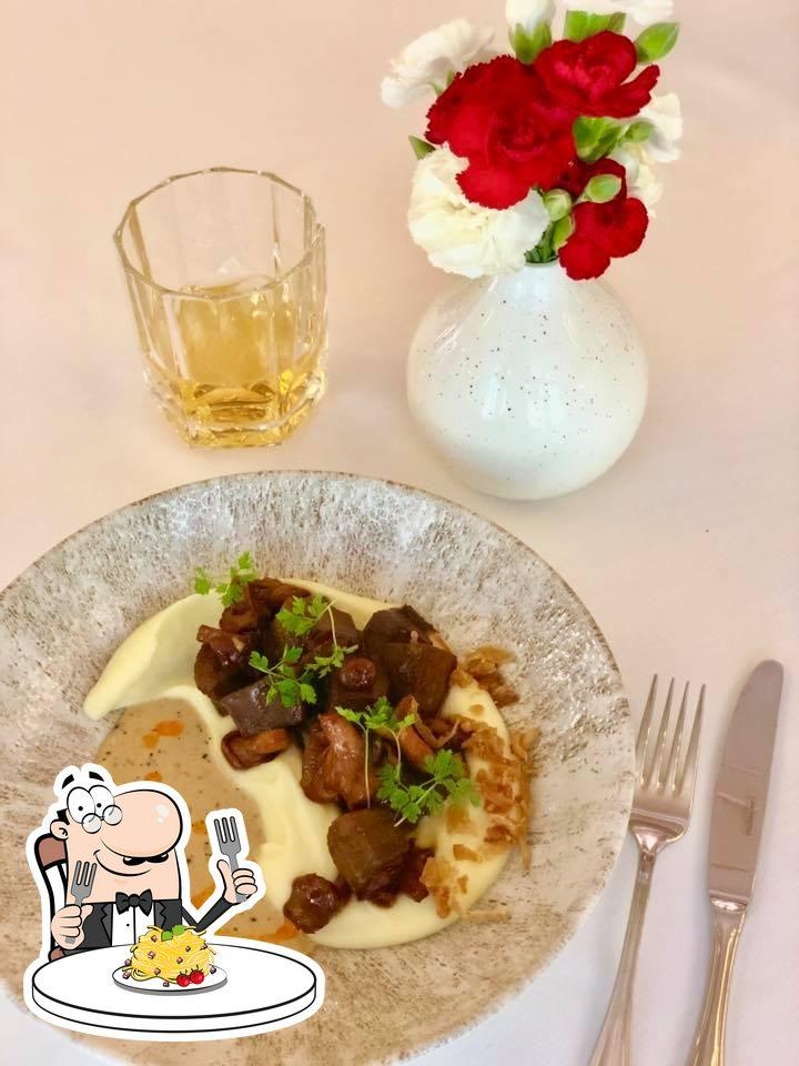 Еда в Вилла Тоскана Ресторан