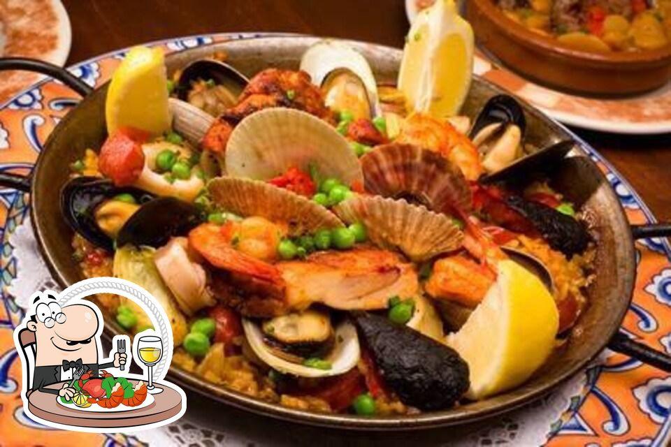 В Bar 61 вы можете заказать различные блюда с морепродуктами