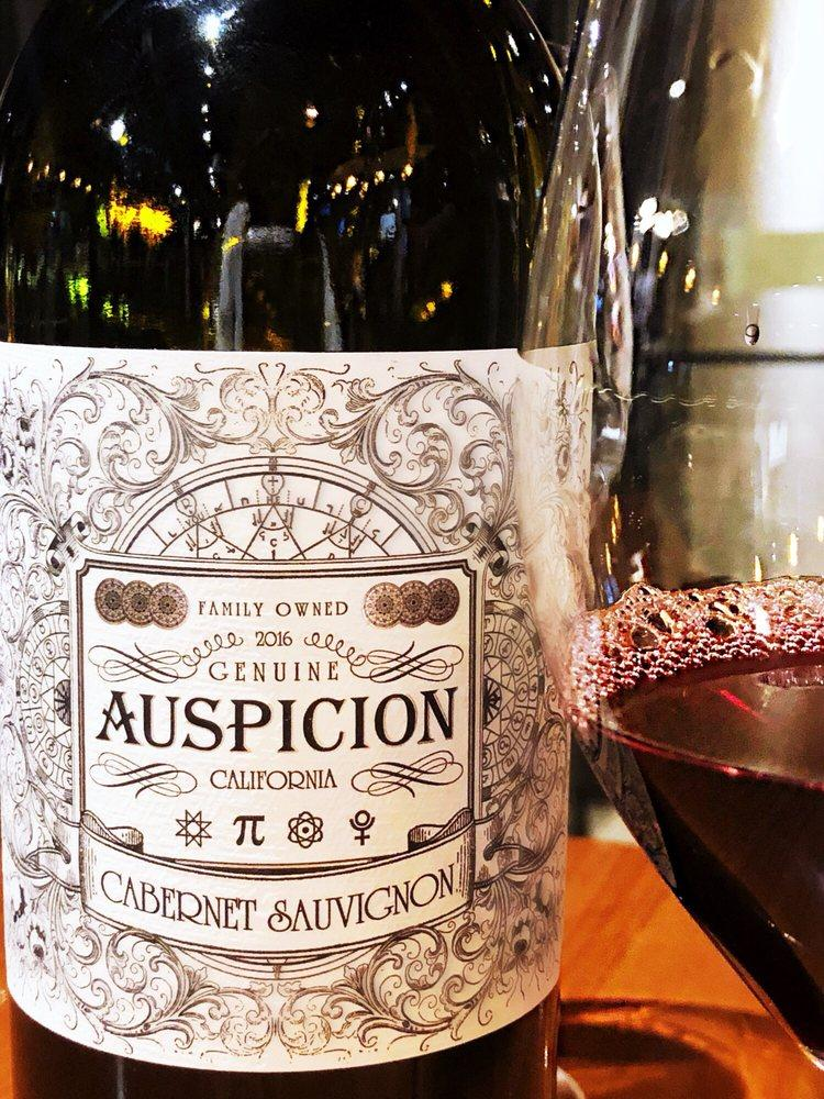 Закажите бокал вина в конце тяжелого дня